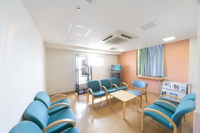 フローレンスケアホーム川崎大師(介護付有料老人ホーム)の画像(2)談話室