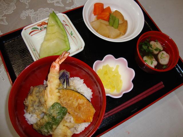 フローレンスケアホーム川崎大師(介護付有料老人ホーム)の画像(4)お食事