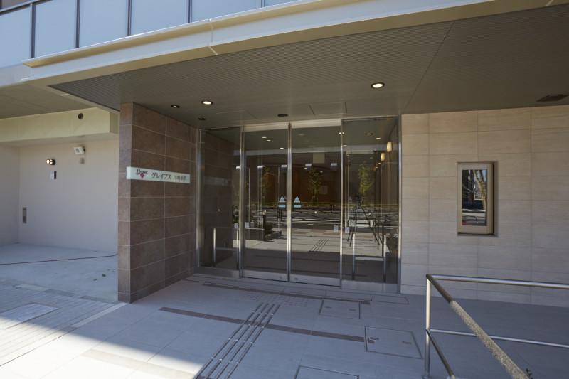 グレイプス川崎新町(サービス付き高齢者向け住宅)の画像(2)エントランス