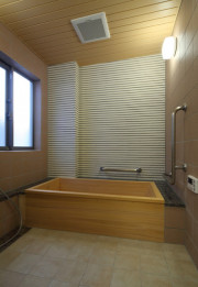 リリィパワーズレジデンス貝塚(サービス付き高齢者向け住宅)の画像(11)共有浴室