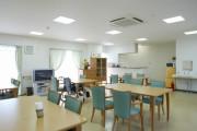 リアンレーヴ武蔵新城(介護付有料老人ホーム)の画像(5)食堂