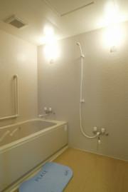 リアンレーヴ武蔵新城(介護付有料老人ホーム)の画像(8)浴室