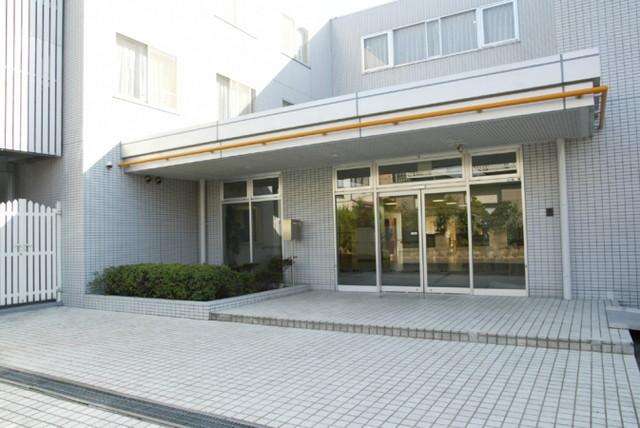 リアンレーヴ武蔵新城(介護付有料老人ホーム)の画像(3)正面玄関