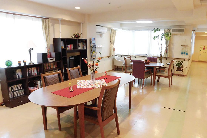 ボンセジュール武蔵新城(介護付有料老人ホーム(一般型特定施設入居者生活介護))の画像(5)2F 多目的スペース