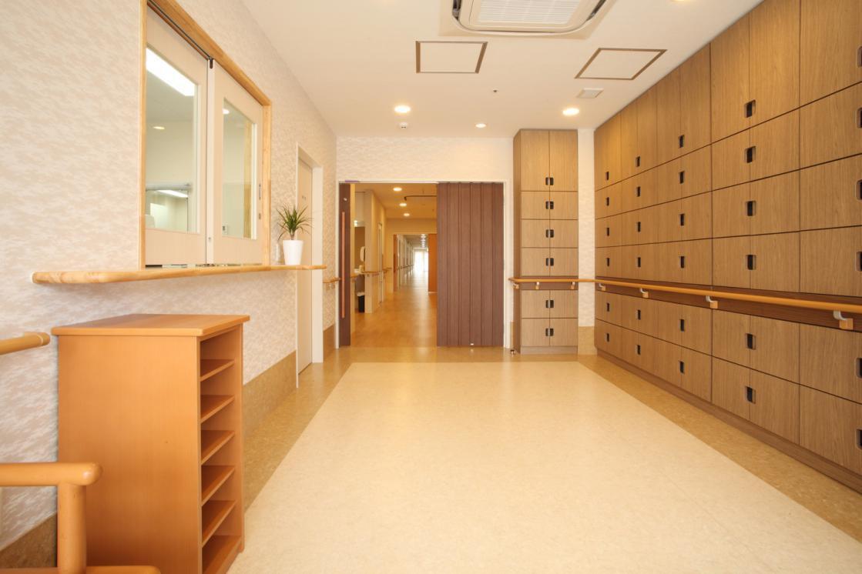 まどか武蔵新城(介護付有料老人ホーム(一般型特定施設入居者生活介護))の画像(3)1F エントランス