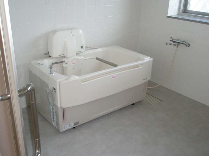 すこや家・川崎明津(介護付有料老人ホーム)の画像(4)機械浴室