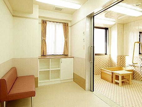 グッドタイムホーム・生田(介護付有料老人ホーム)の画像(4)脱衣スペース