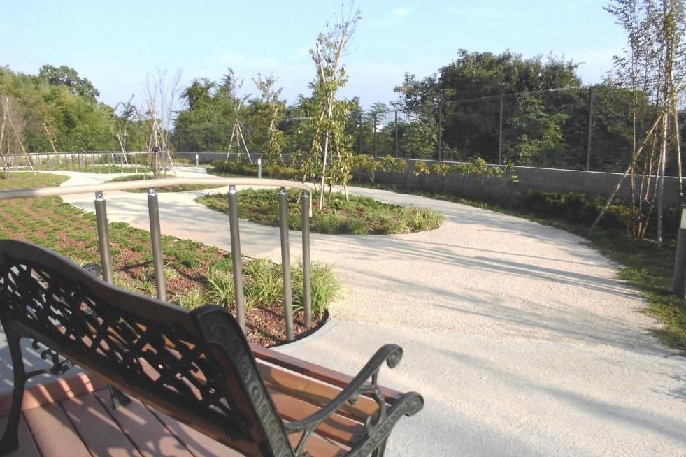 メディカルホームグランダ生田(住宅型有料老人ホーム)の画像(7)1F 中庭