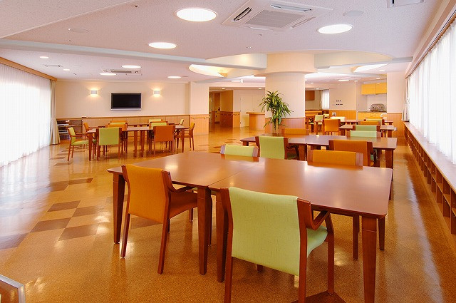 フェリエドゥ稲田堤 (介護付有料老人ホーム)の画像(2)食堂
