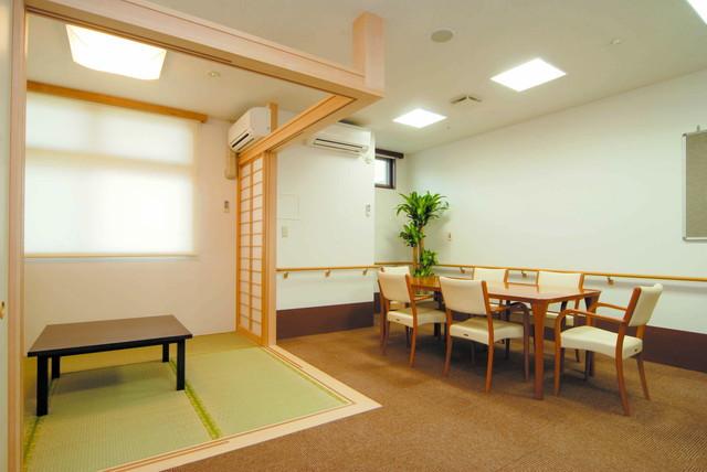 ネクサスコート多摩川桜並木(介護付有料老人ホーム)の画像(15)多目的室