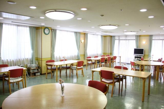 フローレンスケア宿河原(介護付有料老人ホーム)の画像(7)食堂兼談話室