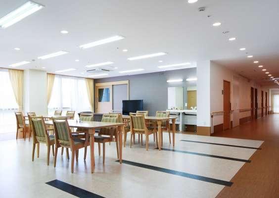 みんなの家・川崎中野島(介護付有料老人ホーム)の画像(3)食堂兼機能訓練室