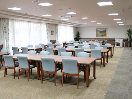 グッドタイムナーシングホーム・中野島(介護付有料老人ホーム(一般型特定施設入居者生活介護))の画像(2)リビング
