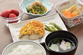 カーサプラチナ宮前平(住宅型有料老人ホーム)の画像(16)お食事
