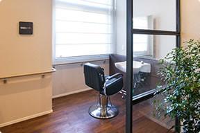 カーサプラチナ宮前平(住宅型有料老人ホーム)の画像(22)理美容室