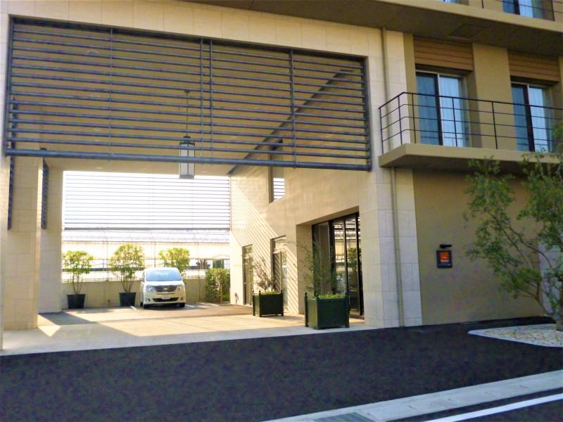 カーサプラチナ宮前平(住宅型有料老人ホーム)の画像(26)駐車場外観