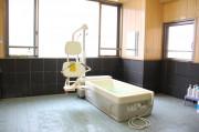 フローレンスケアたまプラーザ(介護付有料老人ホーム)の画像(15)リフト浴①