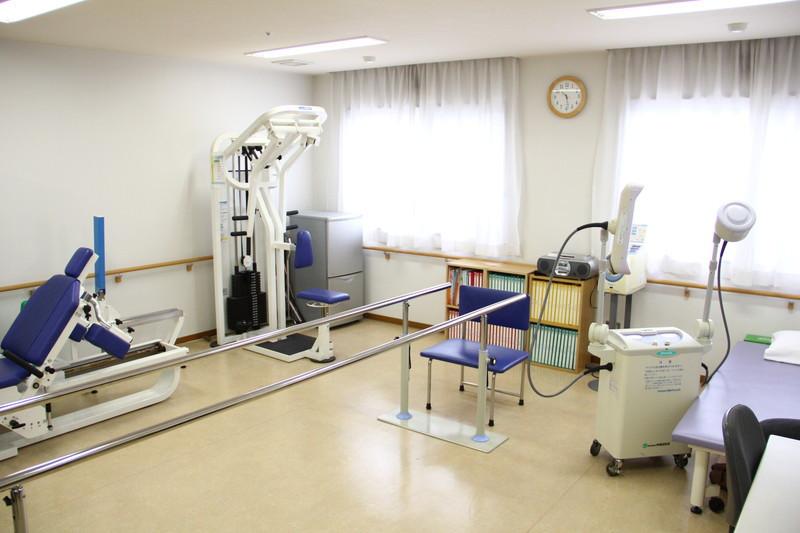 フローレンスケアたまプラーザ(介護付有料老人ホーム)の画像(9)機能訓練室②