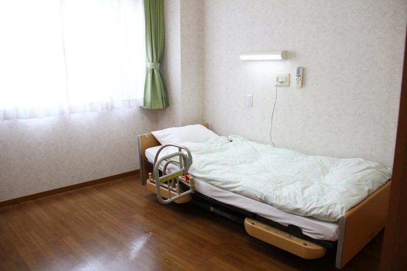 フローレンスケアたまプラーザ(介護付有料老人ホーム)の画像(11)居室②