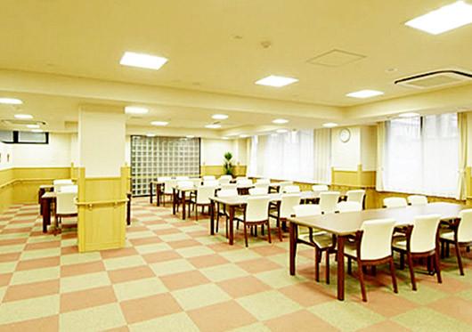 グッドタイムホーム・鷺沼(介護付有料老人ホーム)の画像(4)食堂兼機能訓練室