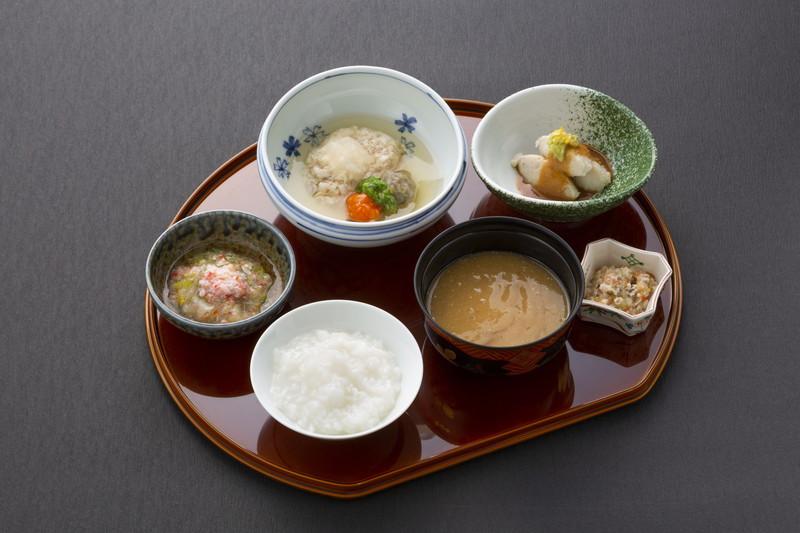 ヒルデモアたまプラーザ・ビレッジⅠ(介護付有料老人ホーム)の画像(23)食事:魚料理②刻み食
