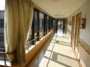 ニチイホームはるひ野Ⅱ番館(介護付有料老人ホーム)の画像(22)廊下