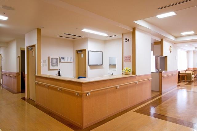 ニチイホームはるひ野Ⅱ番館(介護付有料老人ホーム)の画像(2)廊下