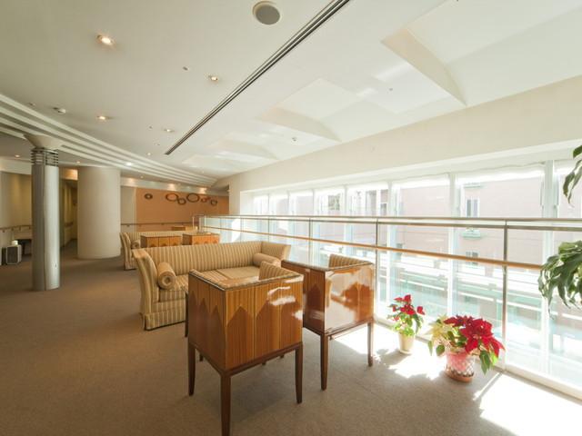 ヴィンテージ・ヴィラ洋光台(介護付有料老人ホーム)の画像(2)エントランスホール