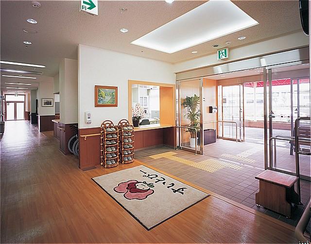 すいとぴー新横浜(介護付有料老人ホーム)の画像(7)玄関