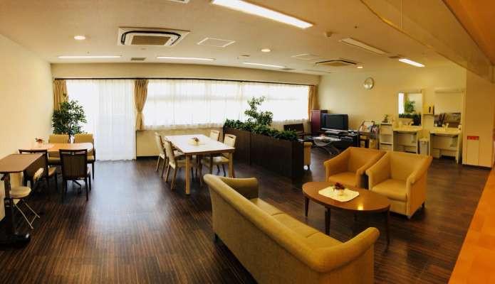 すこや家・北新横浜(介護付有料老人ホーム)の画像(2)談話スペース