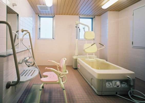 すこや家・北新横浜(介護付有料老人ホーム)の画像(4)機械浴室