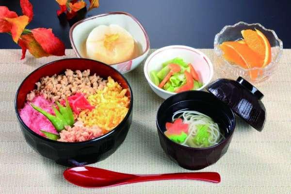 すこや家・北新横浜(介護付有料老人ホーム)の画像(6)昼食の一例