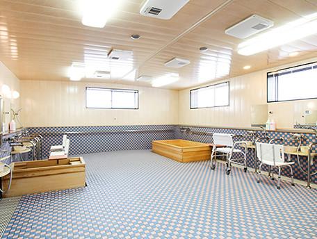 グッドタイムナーシングホーム・港南台(介護付有料老人ホーム)の画像(13)大浴場