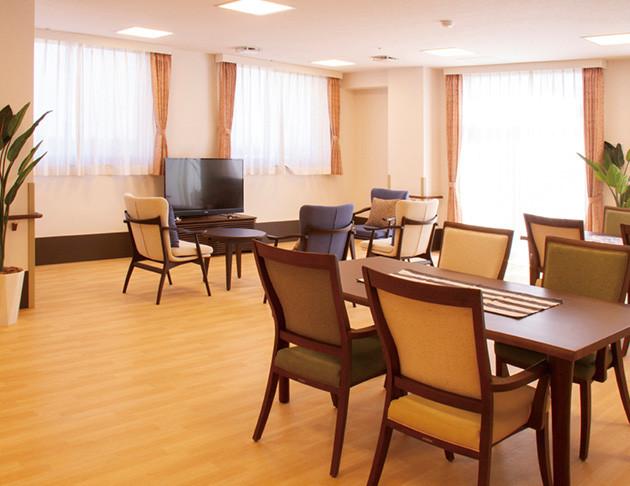 ライフコミューン上大岡(介護付有料老人ホーム)の画像(6)3階 リビング