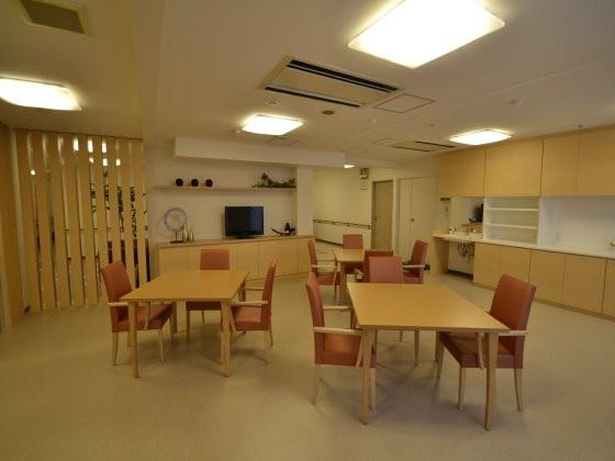 はぴね横浜(介護付有料老人ホーム)の画像(3)食堂