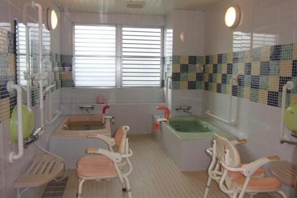 グラニー栄・横浜(介護付有料老人ホーム(一般型特定施設入居者生活介護))の画像(4)1F 浴室
