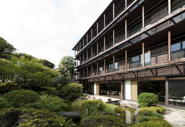 クラシックガーデン文京根津(介護付有料老人ホーム)の画像(1)外観・中庭
