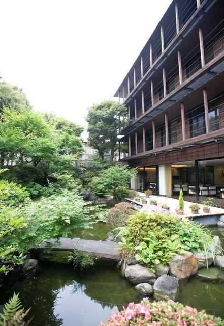 クラシックガーデン文京根津(介護付有料老人ホーム)の画像(2)外観・中庭