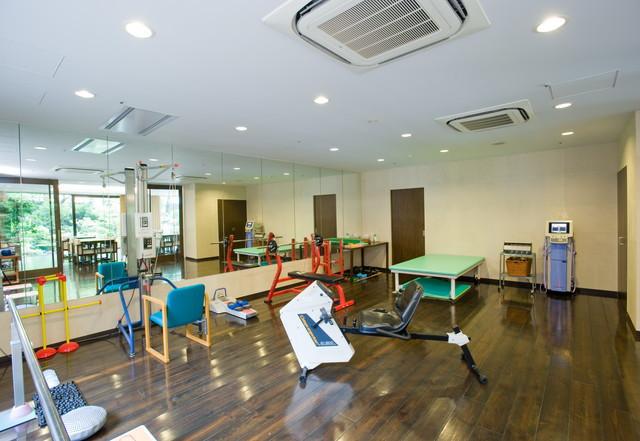 クラシックガーデン文京根津(介護付有料老人ホーム)の画像(7)機能訓練室