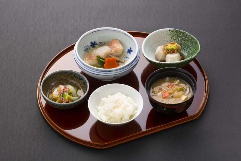 ヒルデモアこどもの国(介護付有料老人ホーム)の画像(14)魚料理常食