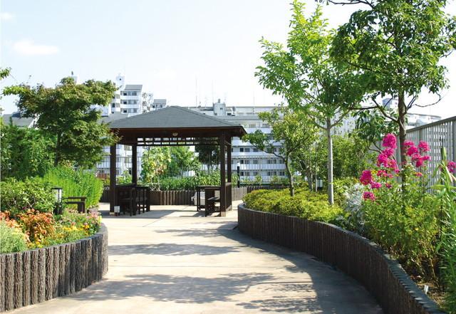 SOMPOケア ラヴィーレあざみ野(介護付有料老人ホーム)の画像(18)庭園2