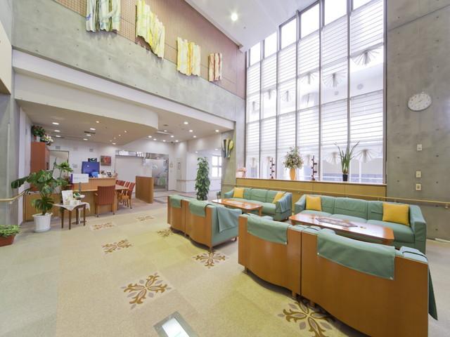 ヴィンテージ・ヴィラ横須賀(介護付有料老人ホーム)の画像(2)エントランス