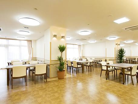 グッドタイムナーシングホーム・保土ヶ谷(介護付有料老人ホーム)の画像(8)食堂