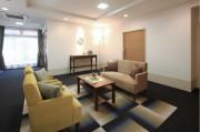 リハビリホームボンセジュール茅ヶ崎(介護付有料老人ホーム(一般型特定施設入居者生活介護))の画像(3)エントランスラウンジ