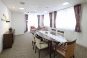リハビリホームボンセジュール茅ヶ崎(介護付有料老人ホーム(一般型特定施設入居者生活介護))の画像(6)談話スペース