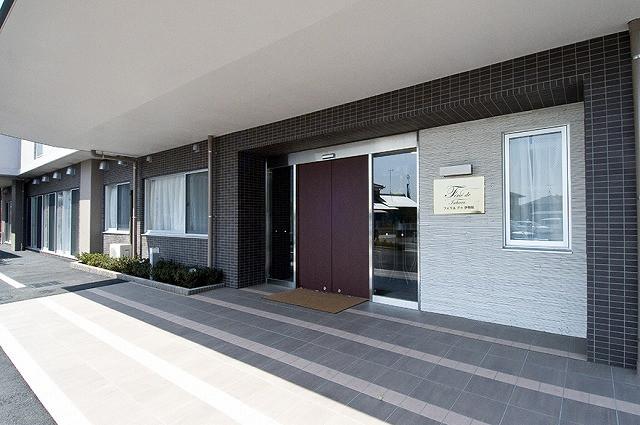 サンライズ・ヴィラ伊勢原(介護付有料老人ホーム)の画像(2)玄関口