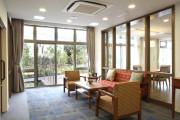 グランダ三鷹台(住宅型有料老人ホーム)の画像(4)1F ラウンジ