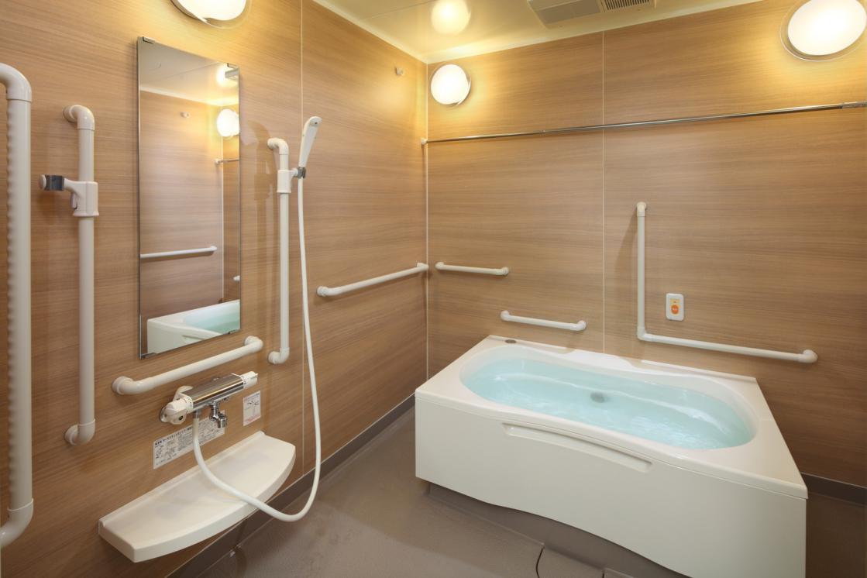 グランダ三鷹台(住宅型有料老人ホーム)の画像(8)浴室
