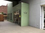 サンビレッジ三鷹(介護付有料老人ホーム)の画像(10)正面玄関2
