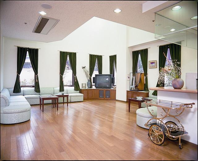 サンビレッジ三鷹(介護付有料老人ホーム)の画像(7)共有スペース